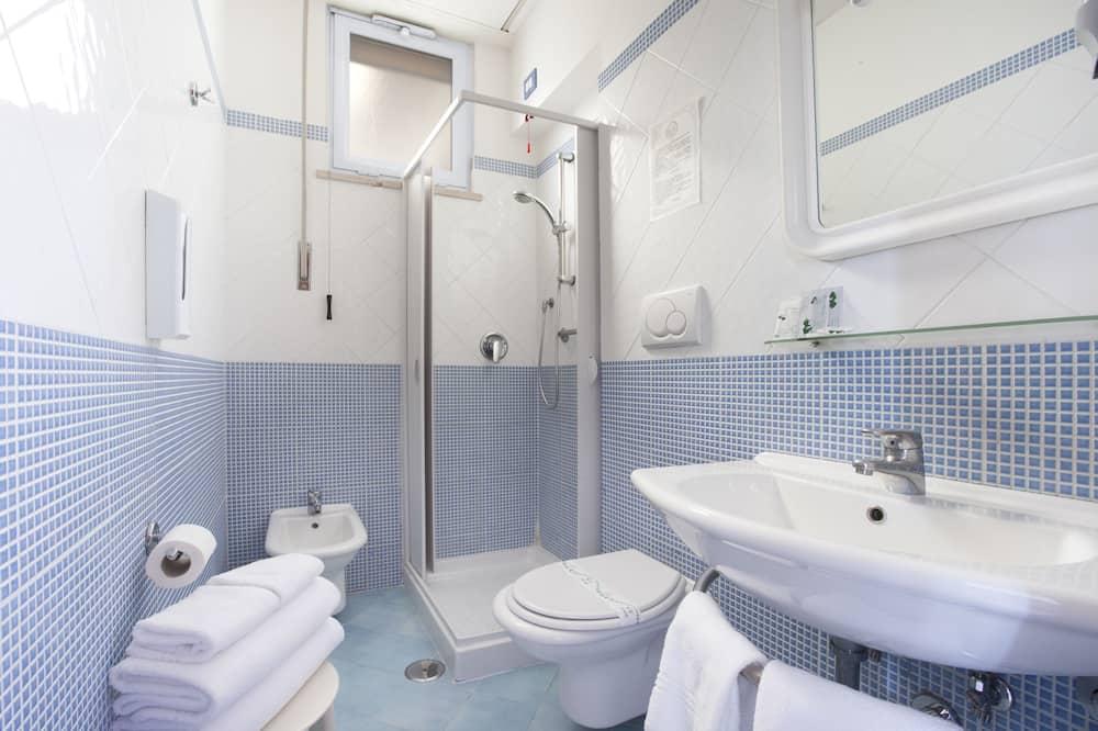 Standard Triple Room - Bathroom Shower