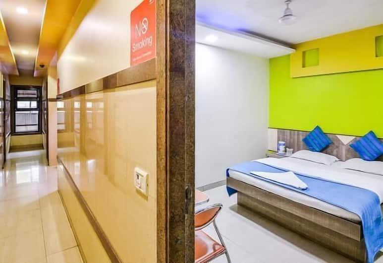 Hotel Galaxy Residency, Bombay, Koridor