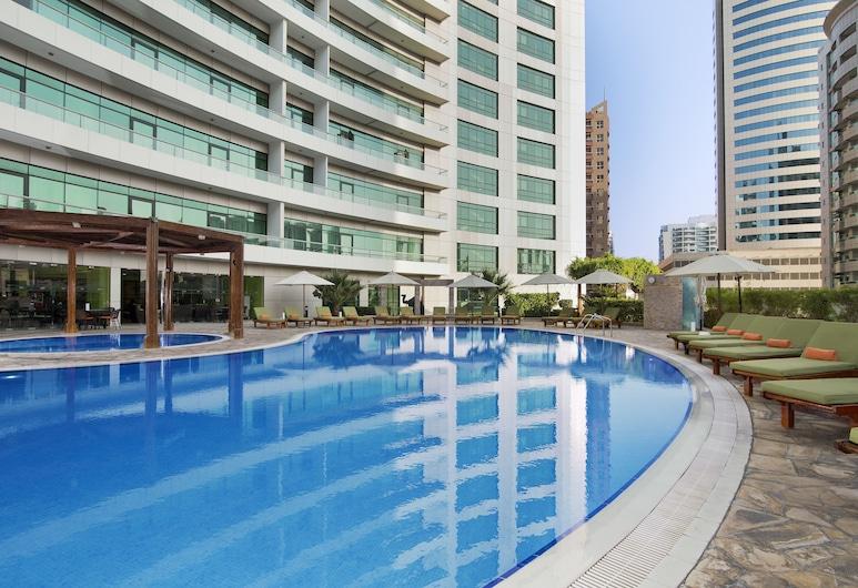 TIME Oak Hotel & Suites, Dubai, Außenpool