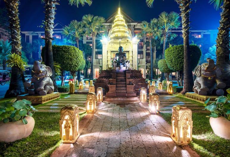 Empress Angkor Resort & Spa, Siem Reap, Hotel Entrance