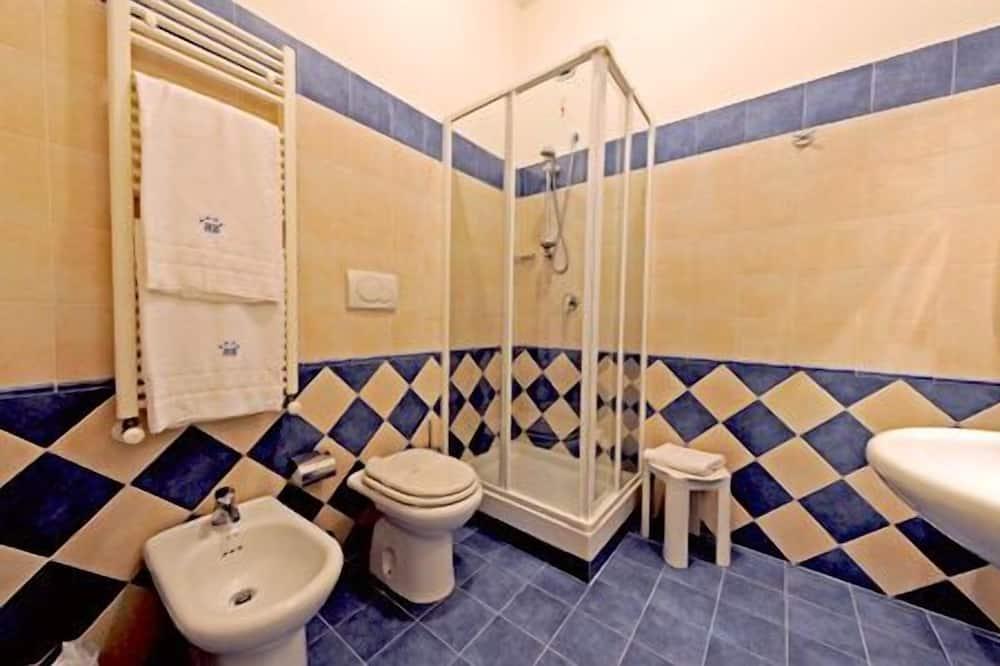 Dvojlôžková izba typu Junior, 1 dvojlôžko - Kúpeľňa