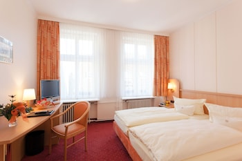 Enter your dates for our Berlin last minute prices