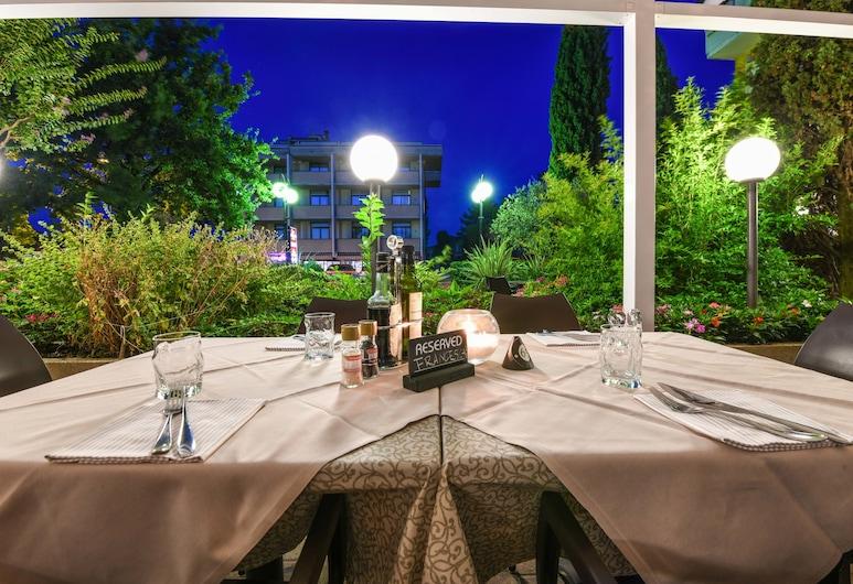 Hotel Riel, Sirmione, Outdoor Dining