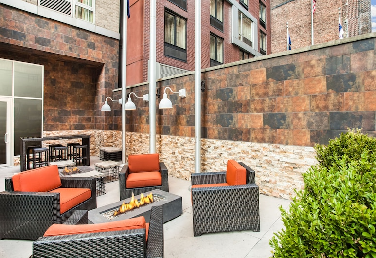 Hilton Garden Inn New York/West 35th Street, New York, Terrace/Patio