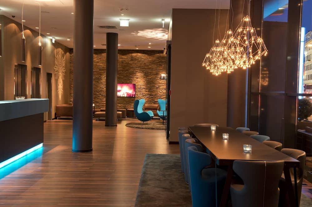Viesnīcas uzgaidāmā telpa