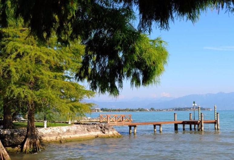 هوتل باركو ألاجو, سيرميوني, الشاطئ