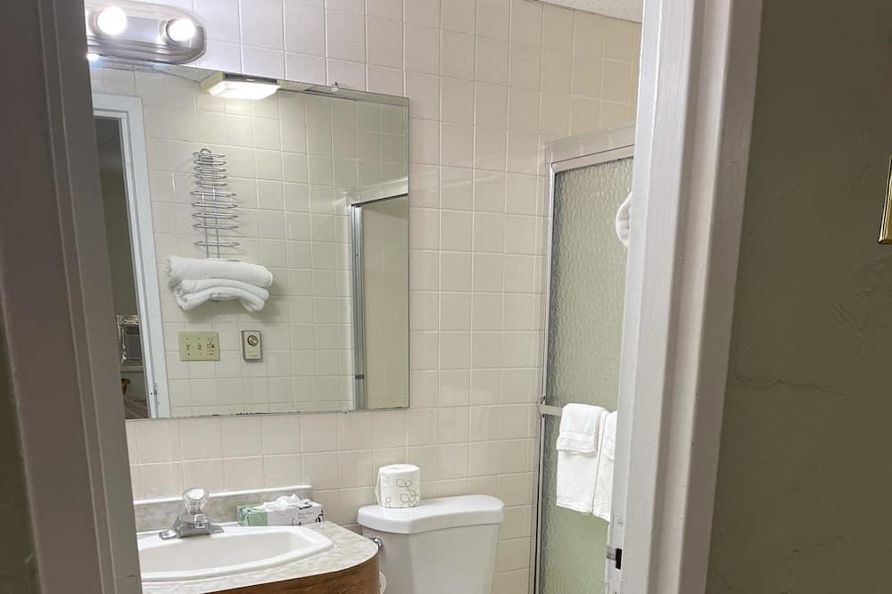 Стандартний номер, 1 ліжко «кінг-сайз» - Ванна кімната