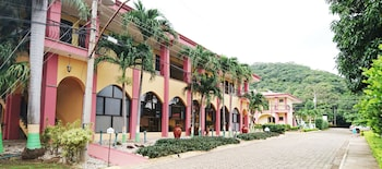 Picture of Nacazcol Hotel & Villas in Coco
