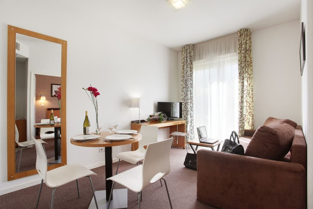 Apartment, 1 Bedroom (4 People) - Living Area