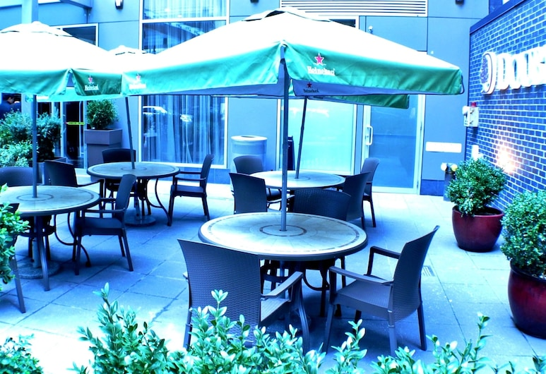 DoubleTree by Hilton New York City - Chelsea, New York, Kültéri étkezés