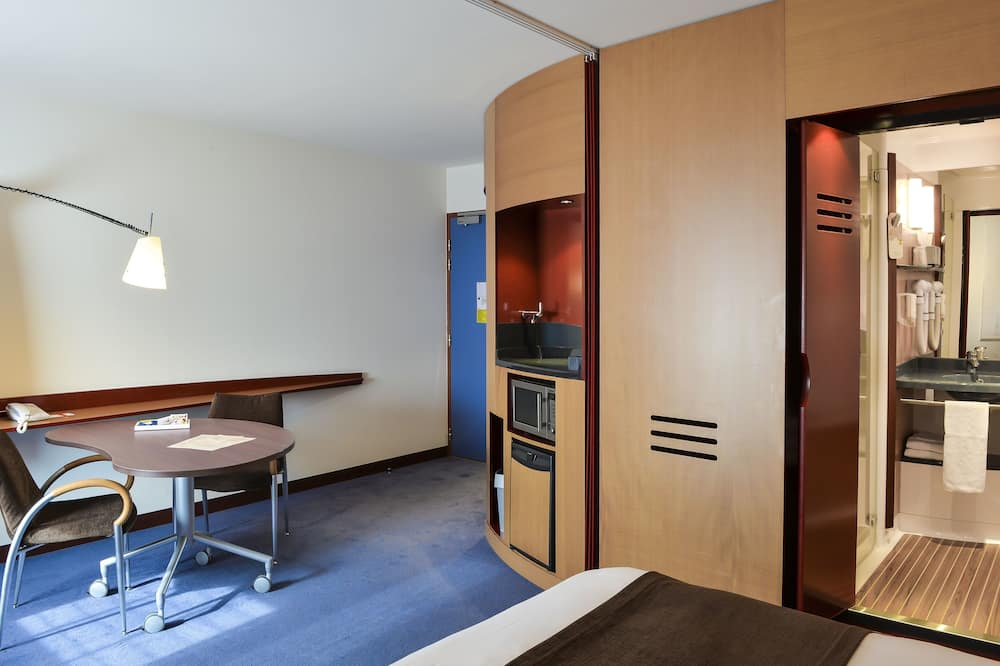 Superior Suite, Multiple Beds - Living Area