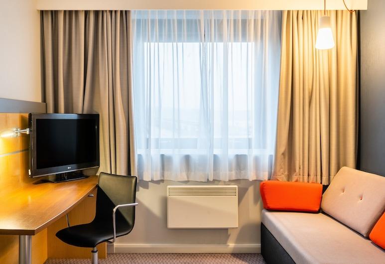 Holiday Inn Express Dundee, Dundee, Standard Room, Guest Room