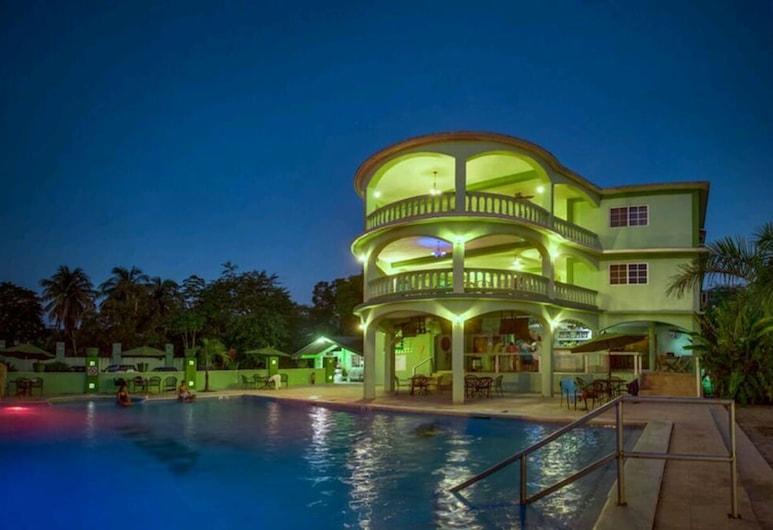 Midas Belize, San Ignacio, Hotel Bar