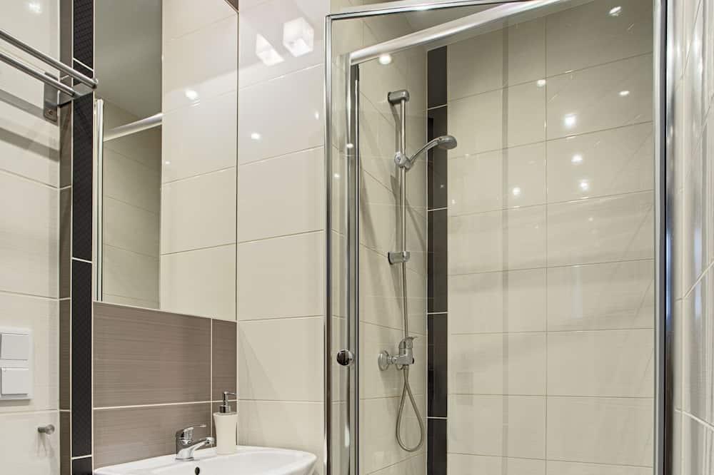 Classic-Doppel- oder -Zweibettzimmer, Balkon - Badezimmer