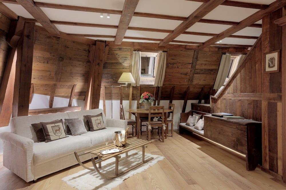 Suite, 1 Bedroom (de l'Ancienne Tour) - Living Area
