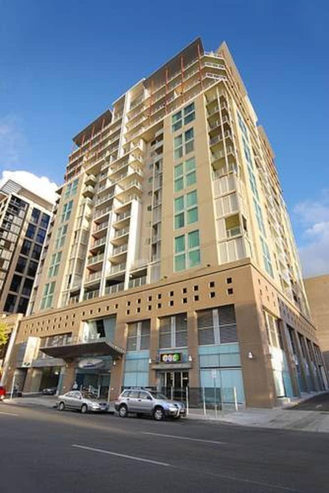 Attractive La Loft Apartments, Adelaide