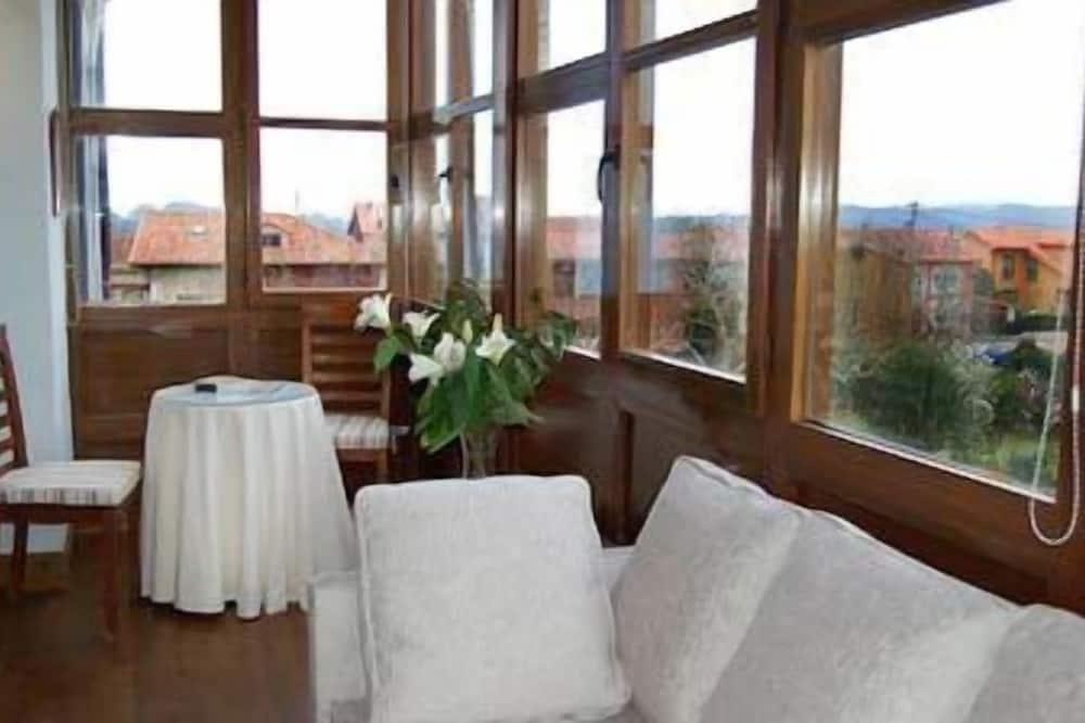 Double Room - Area Keluarga