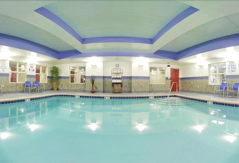 Holiday Inn Express & Suites Knoxville-Farragut, Knoxville, Binnenzwembad
