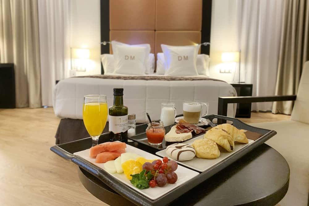 חדר זוגי ליחיד - אזור אוכל בחדר