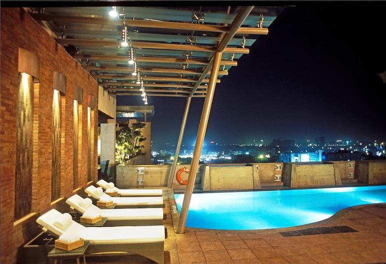 諾伊達麗筠酒店, 諾伊達, 天台泳池