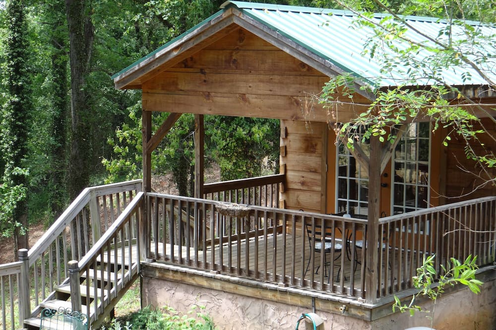 Cabin, Private Bathroom (Blue Ridge Mountains Cabin- No Breakfast, No Pets) - Balcón