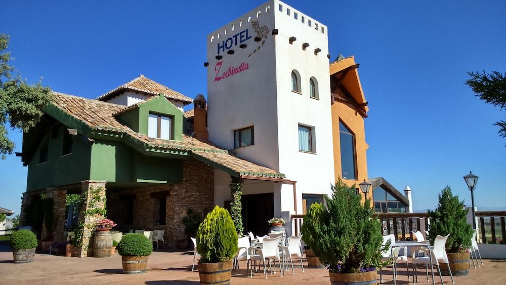 Hotel Zerbinetta, Dilar
