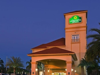 Choose This 2 Star Hotel In Lake Charles