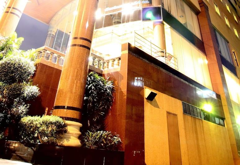 Grand Tower Inn Rama VI Hotel, Bangkok, Exterior