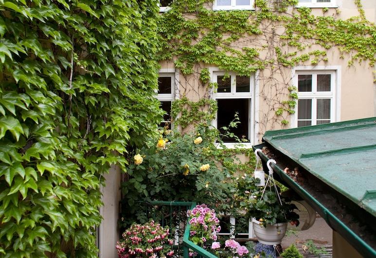 Hotel Schwalbe, Vienna, Garden