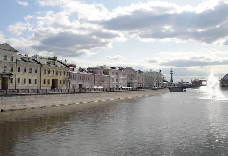 Kadashevskaya Hotel, Moskwa, Fasada hotelu