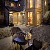 Luxury Studio Suite - Terrace/Patio