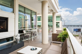 ภาพ โรงแรมเอซี บาย แมริออท เนชั่นแนล ฮาร์เบอร์ ย่านวอชิงตัน ดี.ซี ใน ออกซอนฮิลล์