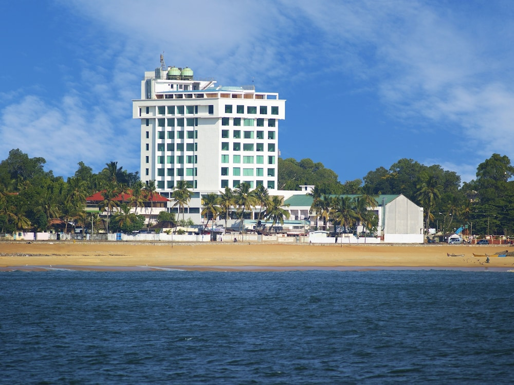 The Quilon Beach Hotel And Convention Center Kollam