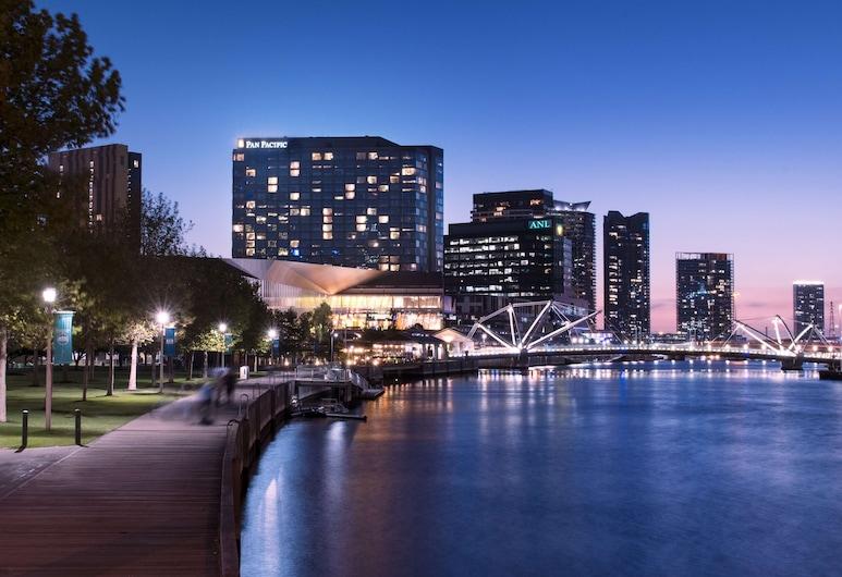 Pan Pacific Melbourne, South Wharf