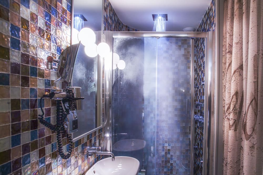 標準雙人房 (Apostrophe Hydromassage) - 浴室