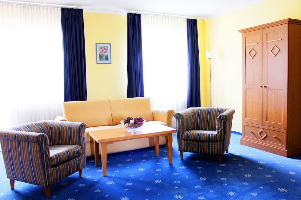 Appartamento Classic, 1 letto queen con divano letto, non fumatori, vista montagna - Area soggiorno