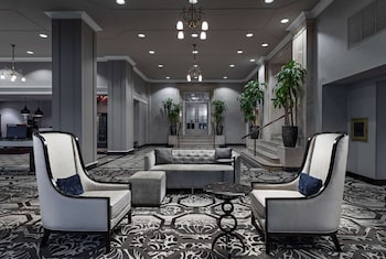 Фото DoubleTree Suites by Hilton Detroit Downtown - Fort Shelby у місті Детройт