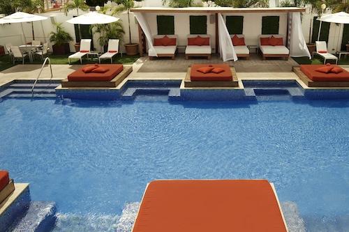 西班牙庭院酒店/
