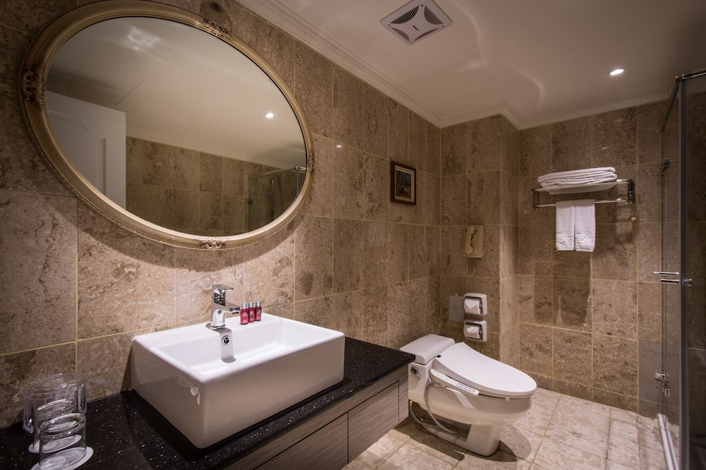 Dvojlôžková izba typu Grand, 2 jednolôžka (Milan) - Kúpeľňa