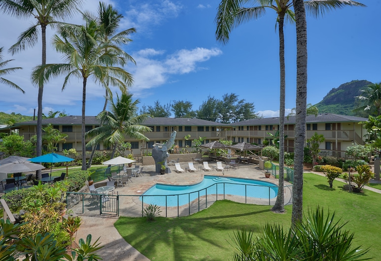 Kauai Inn, Lihue, Standard Room, 2 Queen Beds and 1 Twin Bed, Balcony View