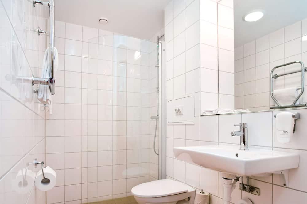 Habitación doble económica, sin ventanas - Baño