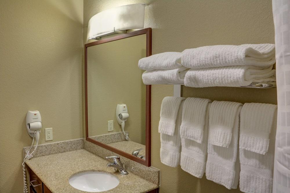 Studiosviitti, 2 parisänkyä - Kylpyhuone