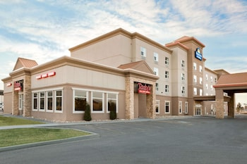 Picture of Days Inn & Suites by Wyndham Edmonton Airport in Leduc