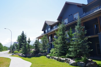 Picture of Silver Creek Lodge in Canmore