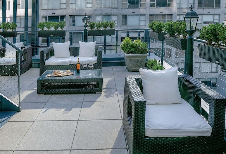 The Carvi Hotel New York, Ascend Hotel Collection, New York, Pool