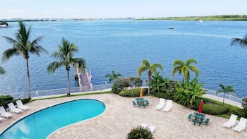 Picture of Boca Ciega Resort in St. Petersburg