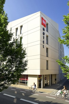 Choose This Business Hotel in Sint-Niklaas -  - Online Room Reservations