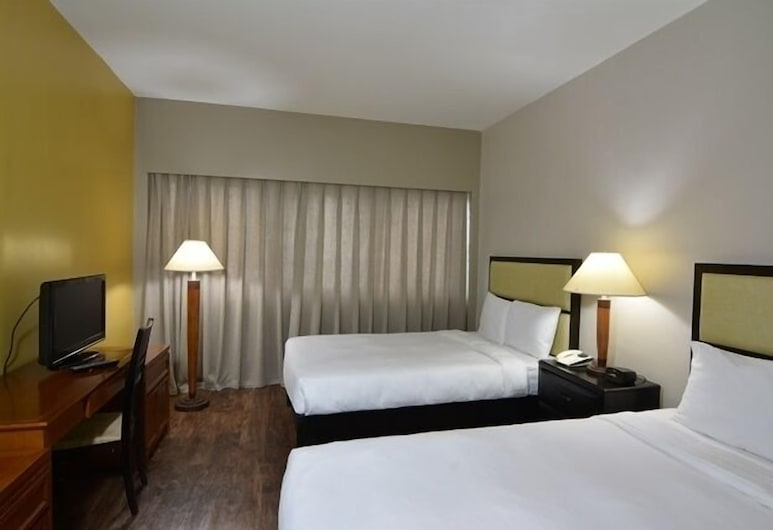 Pacific Bay Hotel, Tamuning