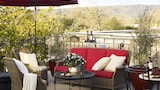 Choose This Luxury Hotel in Yountville