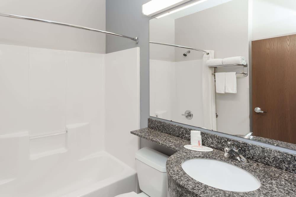 Suite Studio Deluxe, 1 grand lit, non-fumeurs - Salle de bain